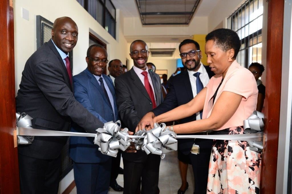 David Bunei, General Manager (GM) for Cisco East Africa and IOI (Left), Prof. Bernard Aduda, UON – Principal College of Biology & Physical Sciences, Prof. Madara Ogot, UON – Deputy Vice Chancellor, RIE, Clayton Naidoo, General Manager (GM) for Cisco SSA and Dr. Katherine Getao, CEO ICT Authority.